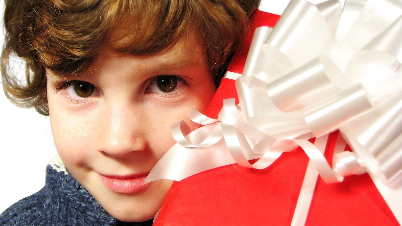 Картинки подарок для мальчика