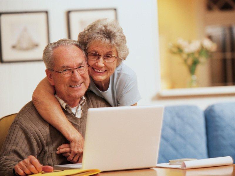 Повысят ли пенсии работающим пенсионерам в 2019